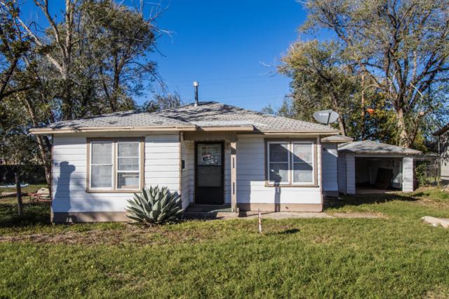 111 S 5th Street, Plainview, TX 79072 (MLS #201809857) :: McDougal Realtors