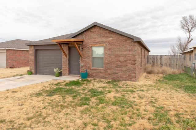 111 S Monroe Avenue, New Deal, TX 79350 (MLS #201900371) :: The Lindsey Bartley Team
