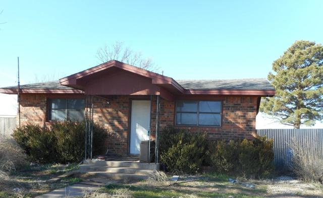 208 Ave X, Levelland, TX 79336 (MLS #201900607) :: The Lindsey Bartley Team