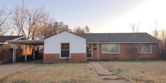 912 E Oak Street, Brownfield, TX 79316 (MLS #201900843) :: Lyons Realty