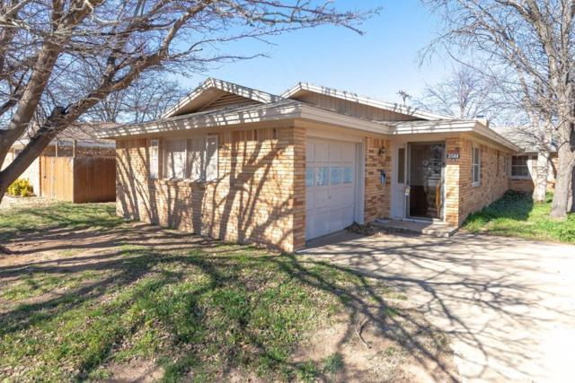 2024 54th Street, Lubbock, TX 79412 (MLS #201901220) :: Lyons Realty