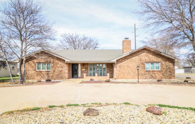 1602 W Ave C, Muleshoe, TX 79347 (MLS #201902789) :: Reside in Lubbock | Keller Williams Realty