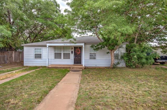 2010 40th Street, Lubbock, TX 79412 (MLS #201904572) :: Stacey Rogers Real Estate Group at Keller Williams Realty