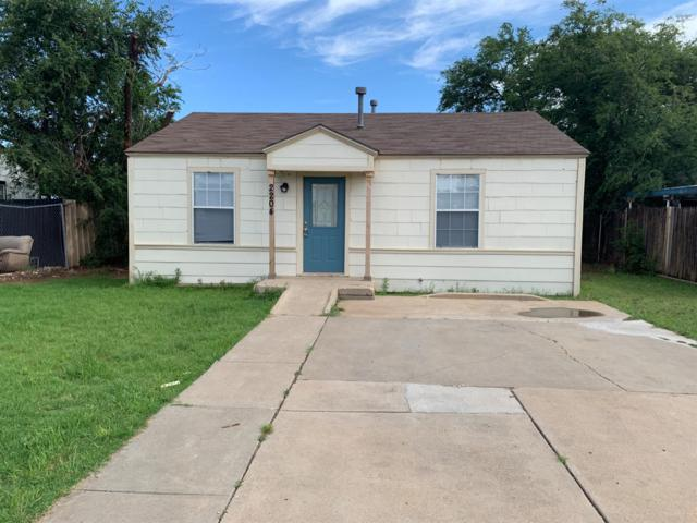 2204 1st Street, Lubbock, TX 79415 (MLS #201904991) :: Stacey Rogers Real Estate Group at Keller Williams Realty
