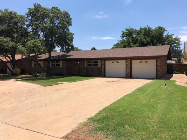 210 Redwood Lane, Levelland, TX 79336 (MLS #201906447) :: Lyons Realty