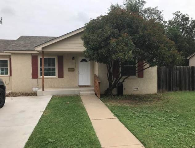 2412 28th Street, Lubbock, TX 79411 (MLS #202001124) :: Stacey Rogers Real Estate Group at Keller Williams Realty