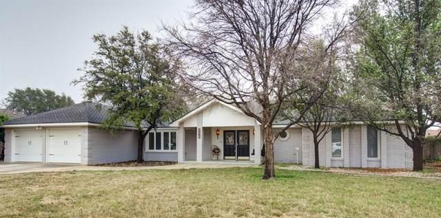 206 Navasota, Plainview, TX 79072 (MLS #202002208) :: Stacey Rogers Real Estate Group at Keller Williams Realty
