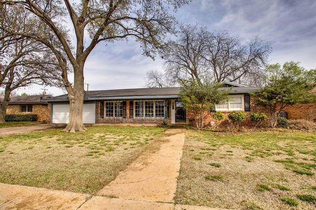 3008 59th Street, Lubbock, TX 79413 (MLS #202002534) :: The Lindsey Bartley Team