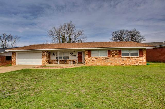 2124 67th Street, Lubbock, TX 79412 (MLS #202002572) :: Stacey Rogers Real Estate Group at Keller Williams Realty