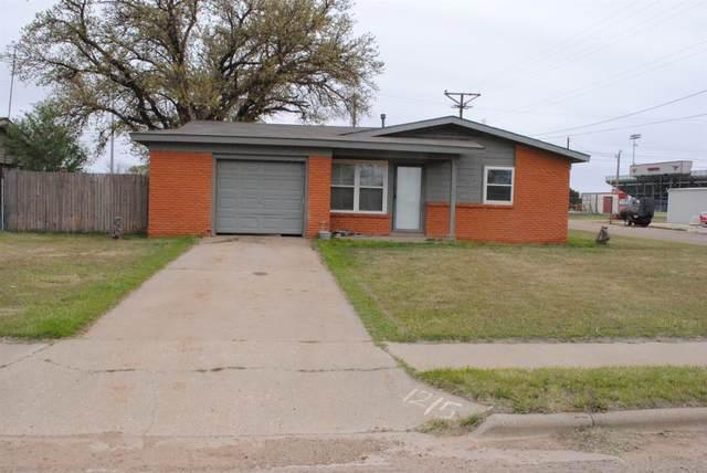 1215 10th Street, Shallowater, TX 79363 (MLS #202002899) :: McDougal Realtors