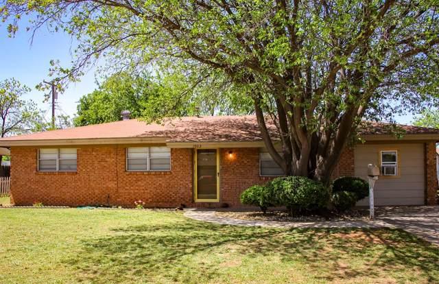 1003 S Lons Street, Brownfield, TX 79316 (MLS #202004138) :: Lyons Realty