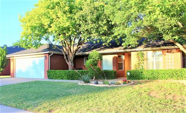 9805 Lynnhaven Avenue, Lubbock, TX 79423 (MLS #202004663) :: Stacey Rogers Real Estate Group at Keller Williams Realty
