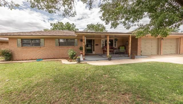 709 Sunset Lane, Lubbock, TX 79403 (MLS #202004983) :: The Lindsey Bartley Team