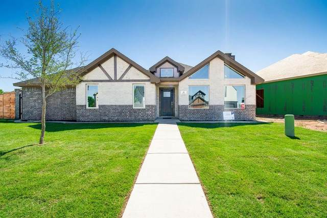 35 Wilshire Boulevard, Lubbock, TX 79416 (MLS #202005138) :: Stacey Rogers Real Estate Group at Keller Williams Realty