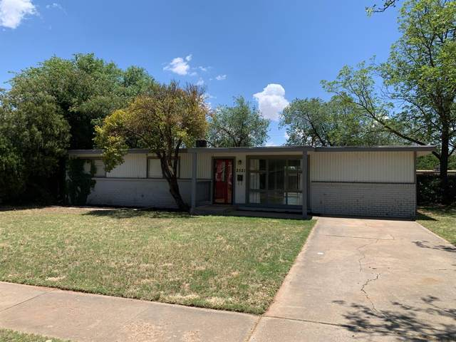 2521 62nd Street, Lubbock, TX 79413 (MLS #202005350) :: The Lindsey Bartley Team