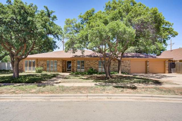5414 17th Place, Lubbock, TX 79416 (MLS #202005614) :: Stacey Rogers Real Estate Group at Keller Williams Realty