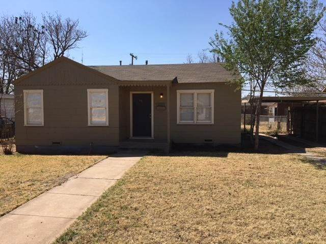 2709 41st Street, Lubbock, TX 79413 (MLS #202005914) :: Stacey Rogers Real Estate Group at Keller Williams Realty