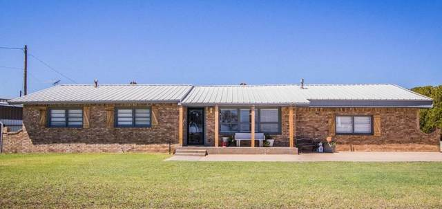 2002 W Division Street, Slaton, TX 79364 (MLS #202006007) :: Reside in Lubbock | Keller Williams Realty