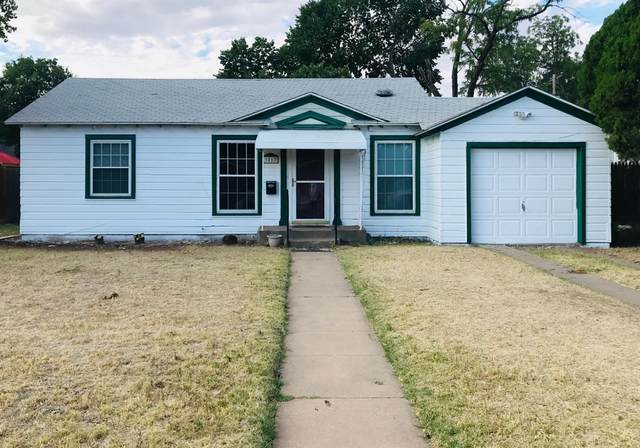 3017 31st, Lubbock, TX 79410 (MLS #202006345) :: Stacey Rogers Real Estate Group at Keller Williams Realty