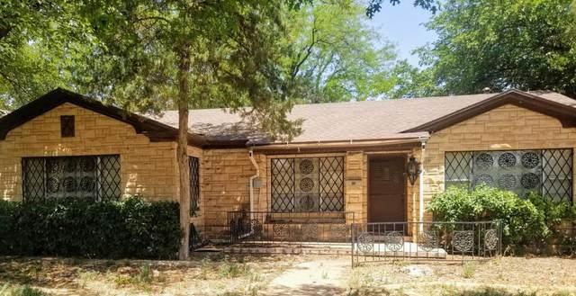 1201 8th Street, Levelland, TX 79336 (MLS #202007161) :: The Lindsey Bartley Team