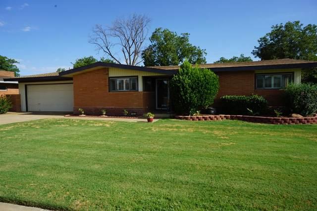 1003 E Cardwell Street, Brownfield, TX 79316 (MLS #202007592) :: Lyons Realty