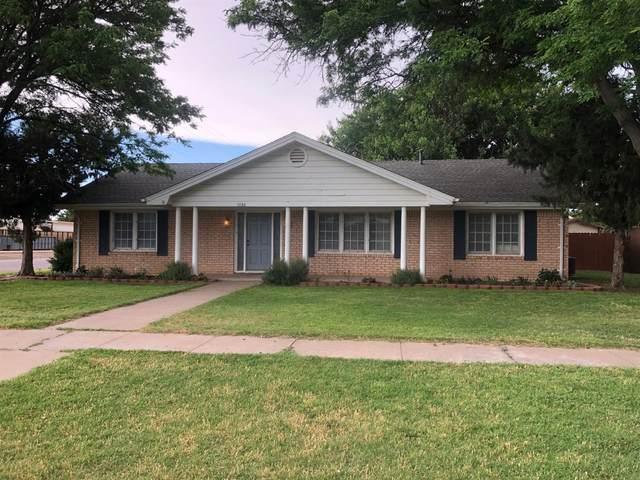 1730 W Ave F, Muleshoe, TX 79347 (MLS #202007671) :: Reside in Lubbock | Keller Williams Realty