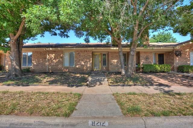 8212 Raleigh Avenue, Lubbock, TX 79424 (MLS #202007786) :: Lyons Realty