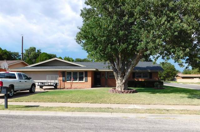 1902 W Ave E, Muleshoe, TX 79347 (MLS #202008113) :: Better Homes and Gardens Real Estate Blu Realty