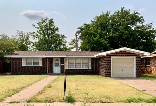 4809 43rd Street, Lubbock, TX 79414 (MLS #202009176) :: Better Homes and Gardens Real Estate Blu Realty