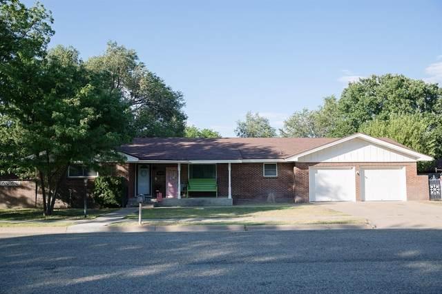 1810 W Ave H, Muleshoe, TX 79347 (MLS #202009328) :: Reside in Lubbock | Keller Williams Realty