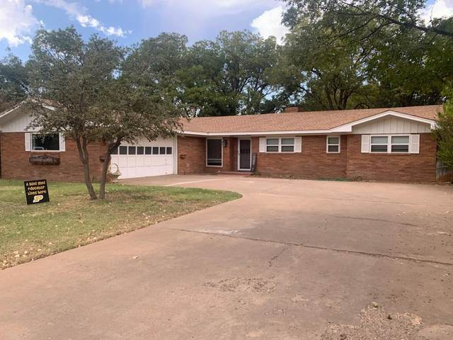 2412 N 3rd Street, Tahoka, TX 79373 (MLS #202010364) :: Stacey Rogers Real Estate Group at Keller Williams Realty