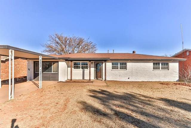 1707 9th, Levelland, TX 79366 (MLS #202011095) :: The Lindsey Bartley Team