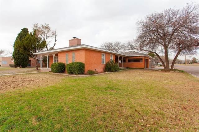 900 W Garza Street, Slaton, TX 79364 (MLS #202011229) :: Stacey Rogers Real Estate Group at Keller Williams Realty