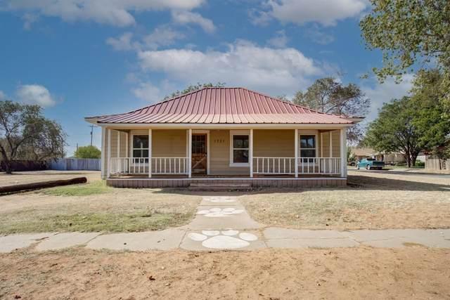1721 Ave L, Tahoka, TX 79373 (MLS #202011854) :: Stacey Rogers Real Estate Group at Keller Williams Realty