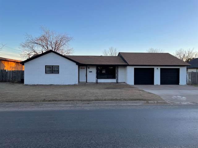 2013 Lockwood Street, Tahoka, TX 79373 (MLS #202101569) :: Lyons Realty