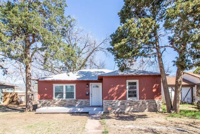 2706 30th Street, Lubbock, TX 79410 (MLS #202102983) :: Stacey Rogers Real Estate Group at Keller Williams Realty
