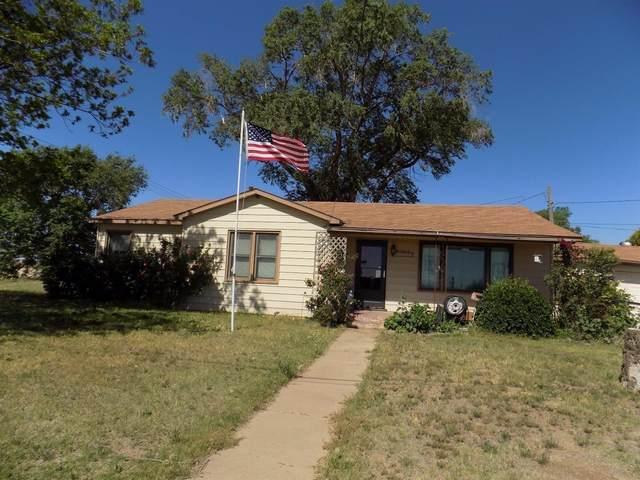 2201 N Quaker Avenue, Lubbock, TX 79416 (MLS #202103154) :: Lyons Realty