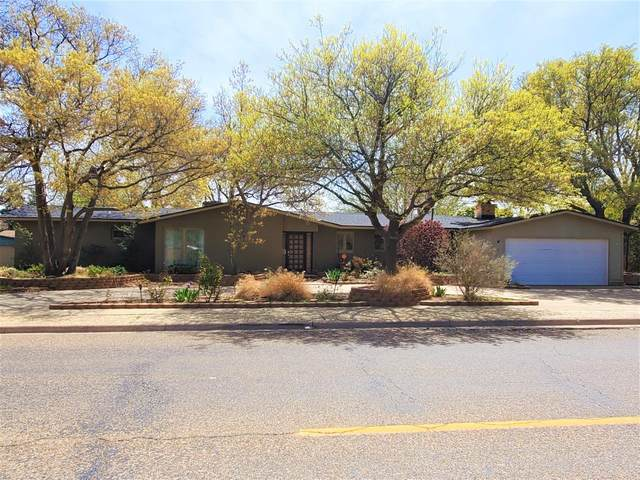 3105 42nd Street, Lubbock, TX 79413 (MLS #202103366) :: Better Homes and Gardens Real Estate Blu Realty