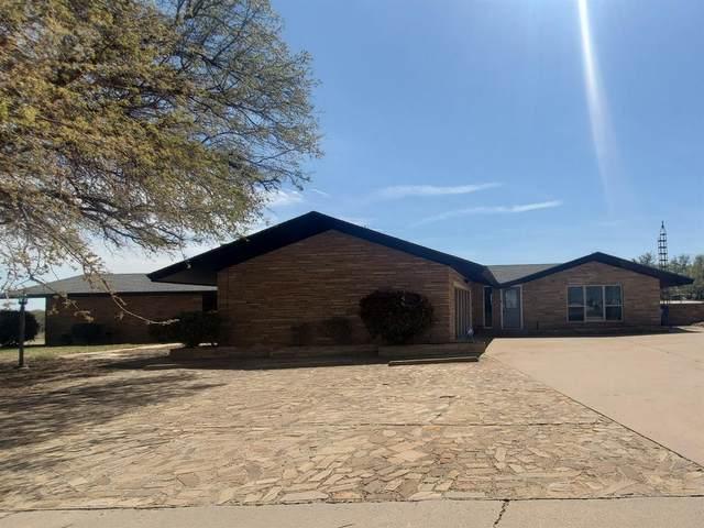 1908 Country Club Drive, Sweetwater, TX 79556 (MLS #202103697) :: Reside in Lubbock | Keller Williams Realty