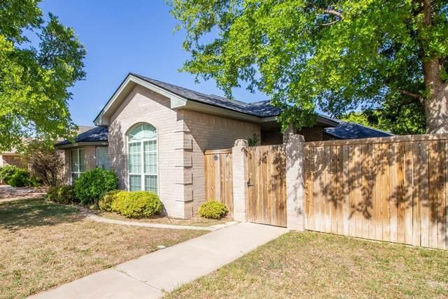 122 N Utica Avenue, Lubbock, TX 79416 (MLS #202104016) :: Lyons Realty