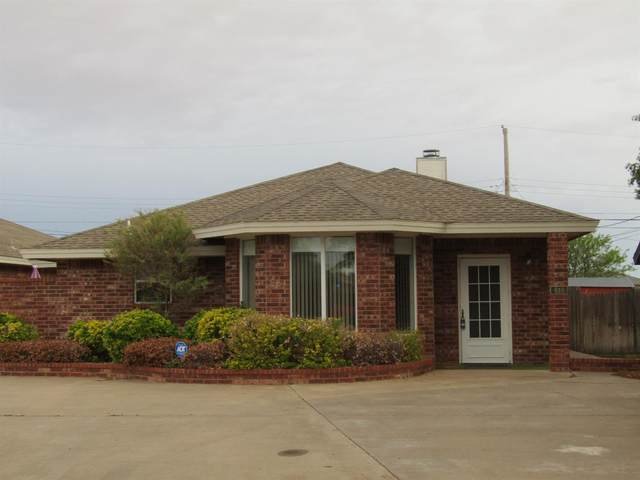 610 Poplar Street, Levelland, TX 79336 (MLS #202104327) :: The Lindsey Bartley Team