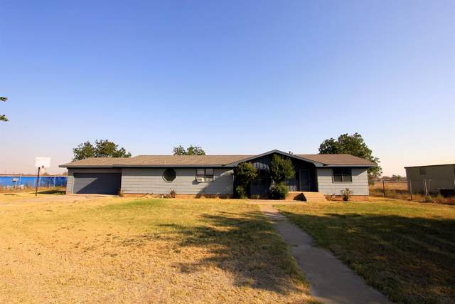 2315 E County Road 7130, Lubbock, TX 79404 (MLS #202105266) :: McDougal Realtors