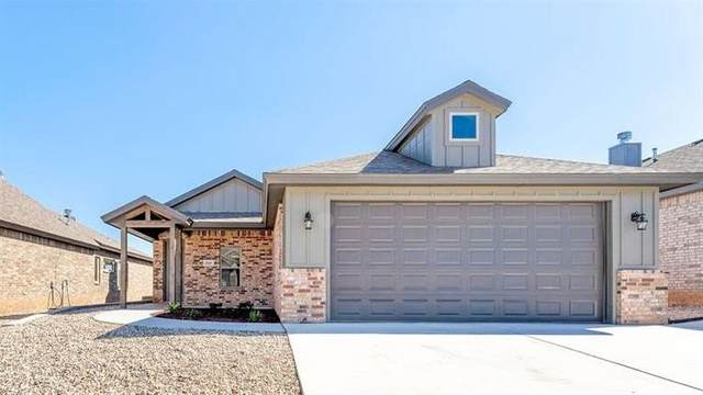 2117 105th Street, Lubbock, TX 79423 (MLS #202108752) :: Stacey Rogers Real Estate Group at Keller Williams Realty