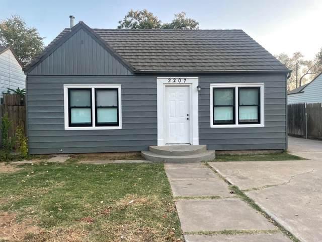 2207 25th Street, Lubbock, TX 79411 (MLS #202110698) :: The Lindsey Bartley Team