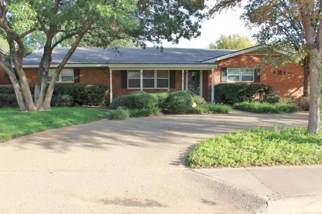 1217 E Warren Street, Brownfield, TX 79316 (MLS #201708044) :: Lyons Realty