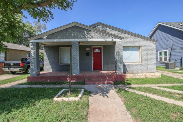 2310 15th Street, Lubbock, TX 79401 (MLS #201806784) :: Lyons Realty
