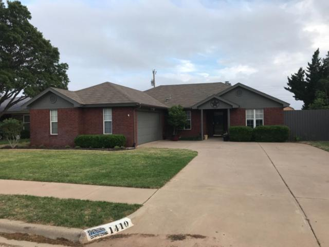 1410 5th Street, Shallowater, TX 79363 (MLS #201903857) :: McDougal Realtors