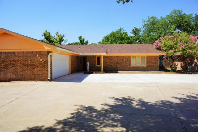 1707 E Tate Street, Brownfield, TX 79316 (MLS #201905840) :: Stacey Rogers Real Estate Group at Keller Williams Realty