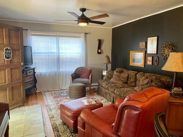 207 3rd, Farwell, TX 79325 (MLS #202006412) :: Reside in Lubbock | Keller Williams Realty