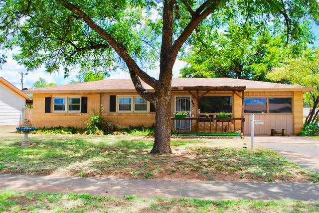 602 E Ripley Street, Brownfield, TX 79316 (MLS #202007489) :: The Lindsey Bartley Team